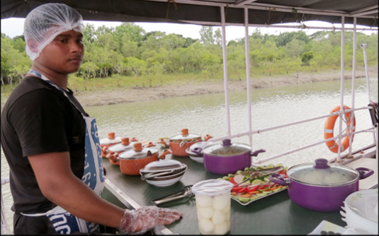 SUNDARBAN HOUSEBOAT - FOOD SERVED ON THE BOAT